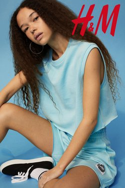 Clothes, Shoes & Accessories offers in the H&M catalogue ( Expires today)