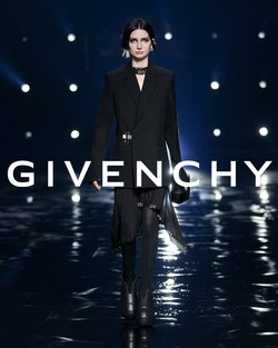 Givenchy offers in the Givenchy catalogue ( More than a month)
