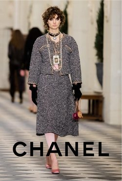 Chanel catalogue ( 19 days left)