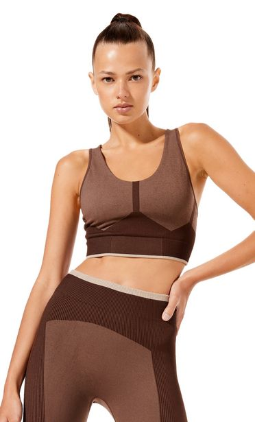 Seamless sports bra offers at 119 Dhs
